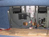 Das kann alles an einer Rücksitzbank hängen. Man beachte den Motor für das Schiebedach!