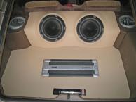 GFK-Woofer und Bodenplatte aus 8mm Multiplex